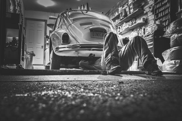 car-repair-362150_1920.jpg